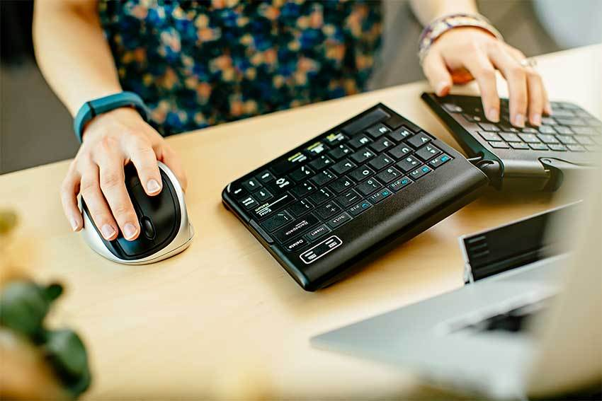 Review the Best Ergonomic Keyboard of 2019
