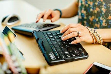 Ergonomic Keyboard Workstation Healthy Worker